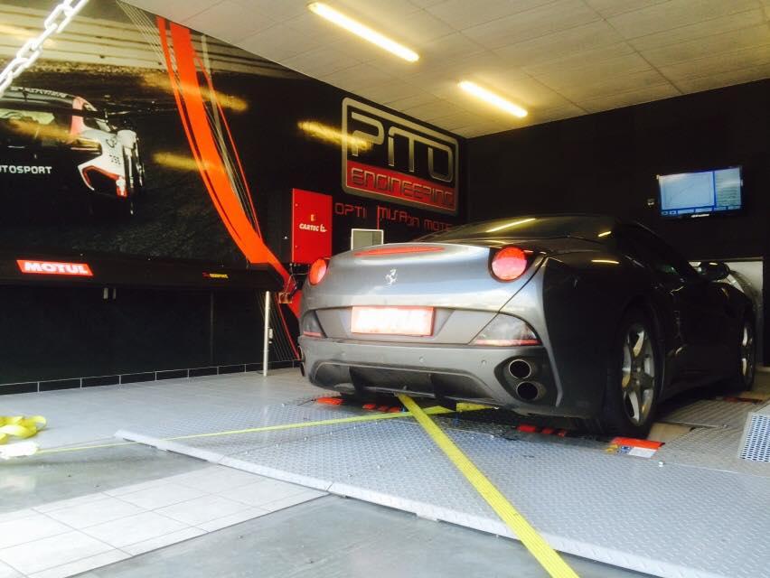 FERRARI CALIFORNIA V8 4.3
