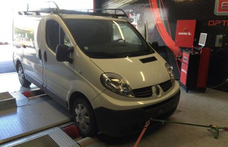 RENAULT TRAFIC DCI 90ch